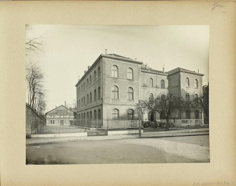 Genève, rue Bautte: école