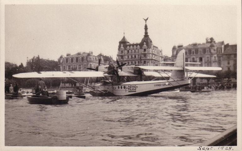 Un hydravion dans la rade de Genève