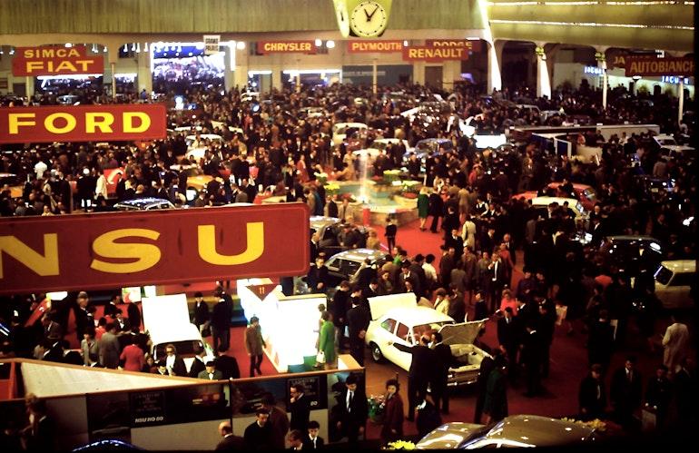 Auto Salon Genève '68 - Vue générale du hall principal