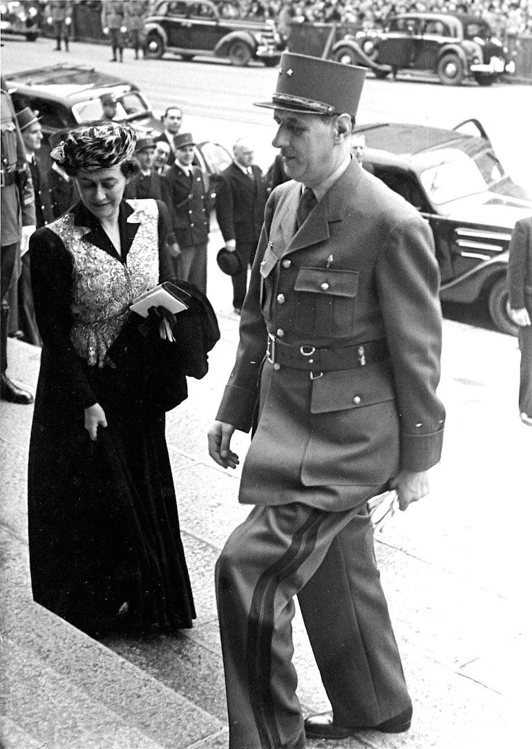 Genève - Notre-Dame - M. et Mme de Gaulle marient leur nièce